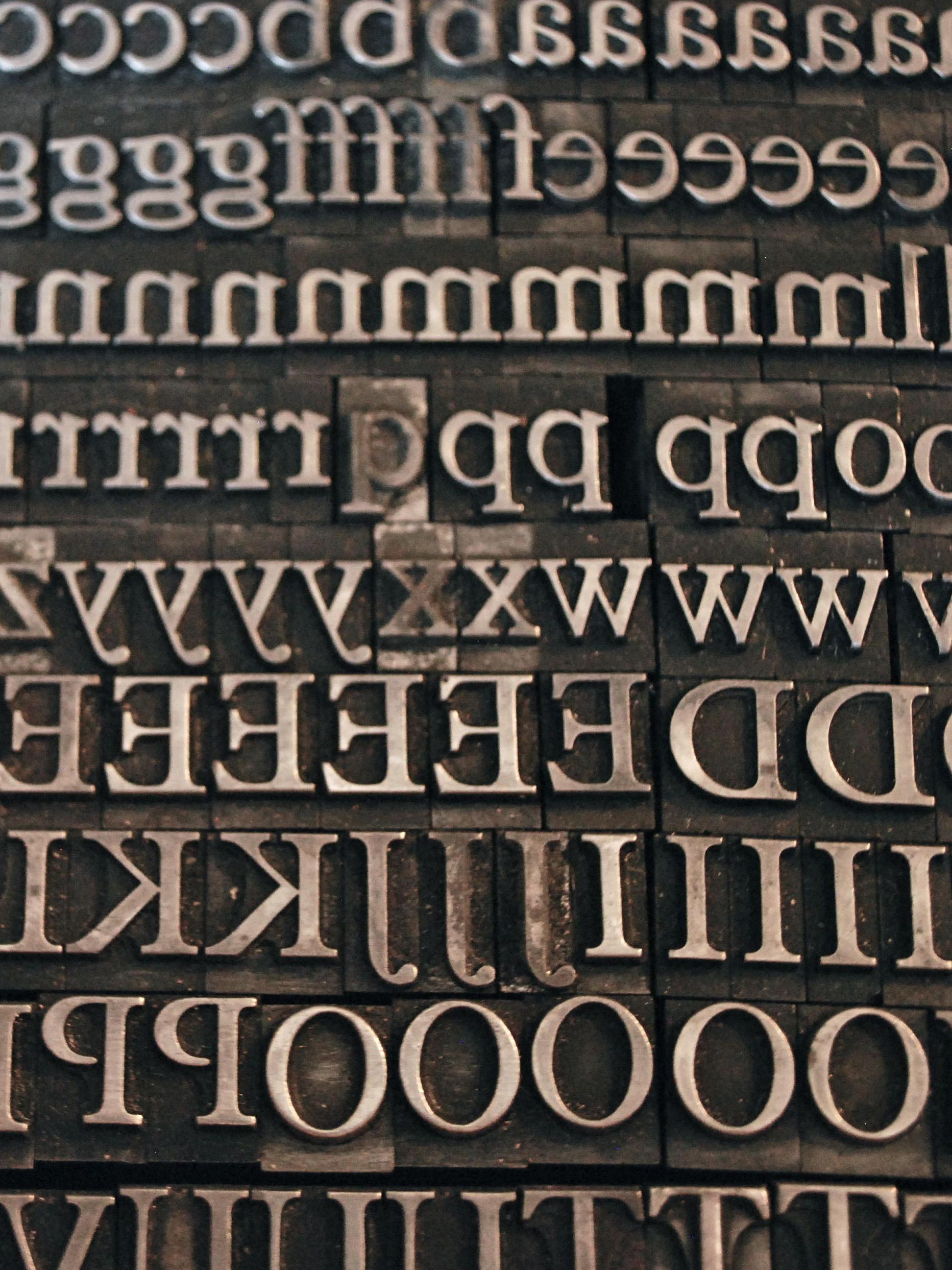Plantin letterpress type